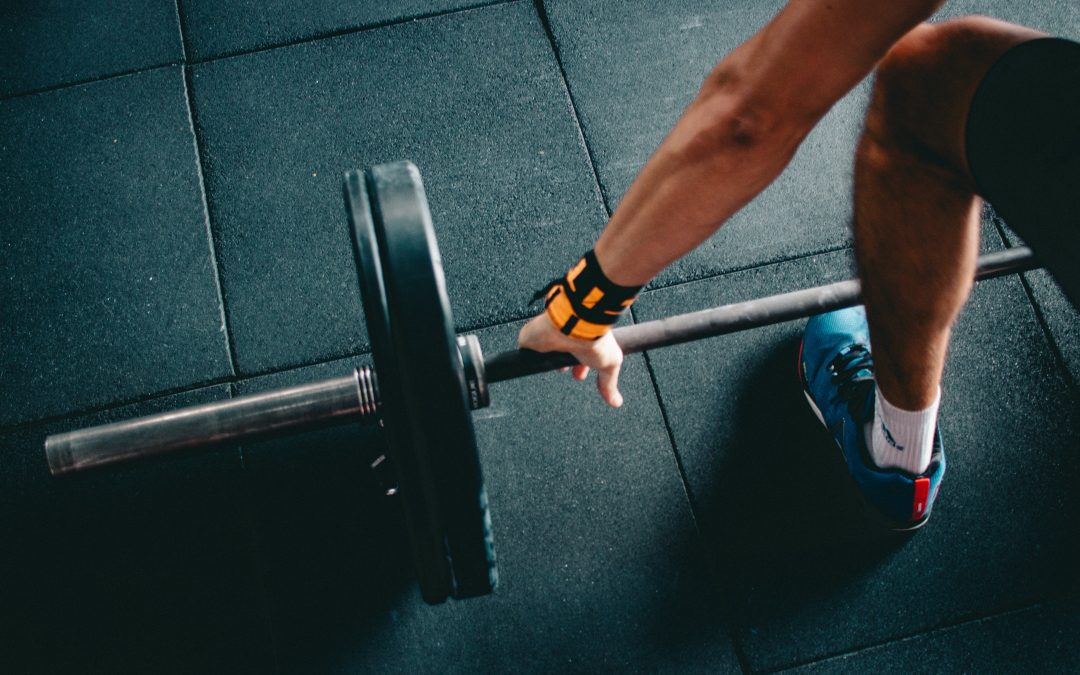 5 of the Best Safe Lifting Techniques to Keep Your Staff Strong