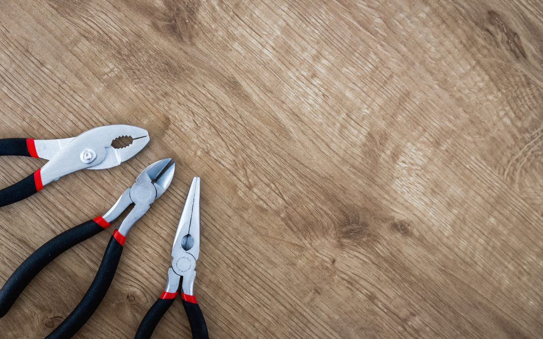 7 of the Best Janitorial Software Tools Managers Can't Live Without